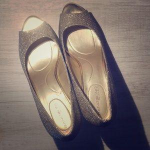 One of a Kind Bandolino Gold Heels